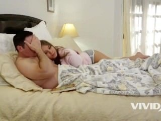 Slutty Stepdaughter with braces gets told a nice story by her Dad in bed