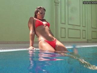Mary Kalisy supah marvelous underwatershow