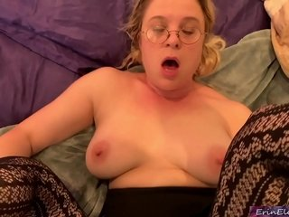 Daughter helping to make a porn - internal ejaculation home flick