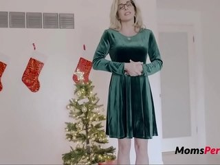 Christmas Everywhere Comme ?a Busty Mom- Cory Run after